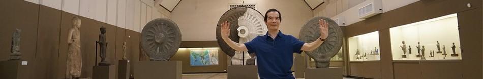 2-paul-at-museum.jpg