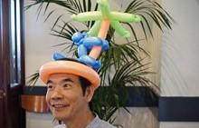 ballon-hat.jpg